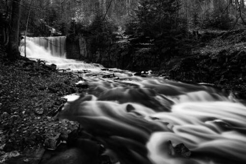 14-Vackra vattenfallet -Shahram Saghafi