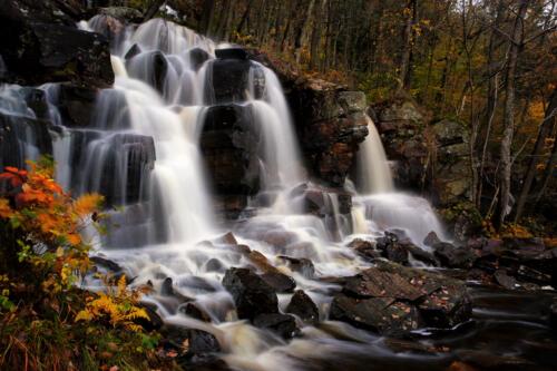 f-83772-Ramhultafallet i höstens färger